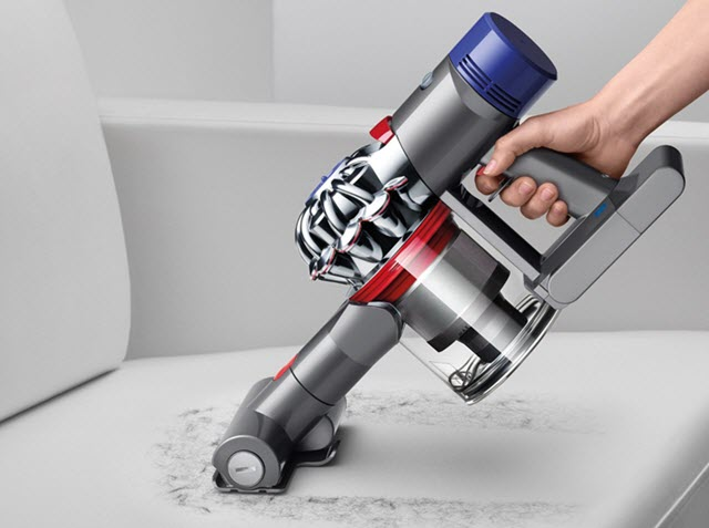 Dyson V8 Absolute Cleaning Car