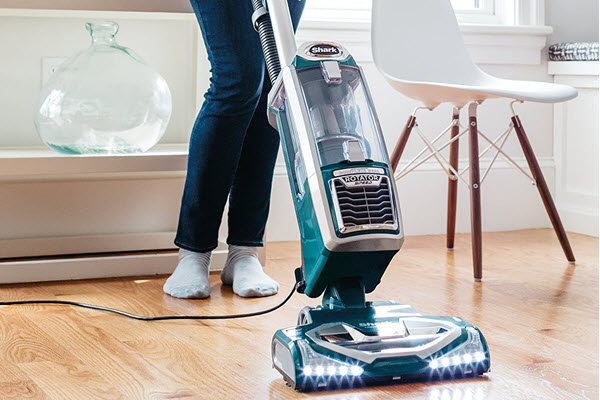 Shark NV681 Vacuum