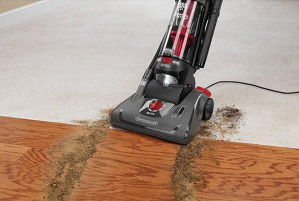 Dirt Devil Jaguar Pet Bagless Upright Vacuum UD70230