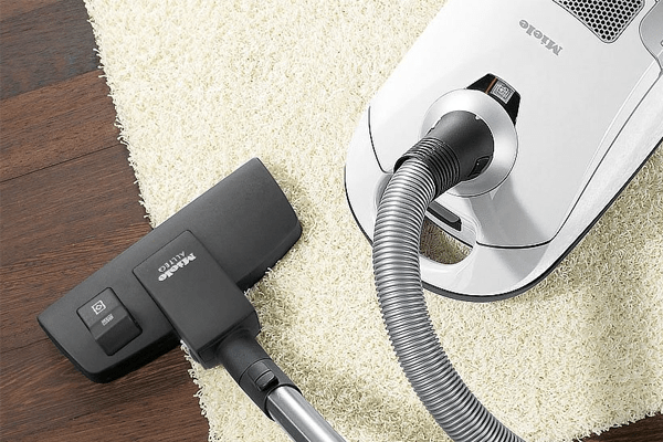Miele Compact C1 Canister Vacuum